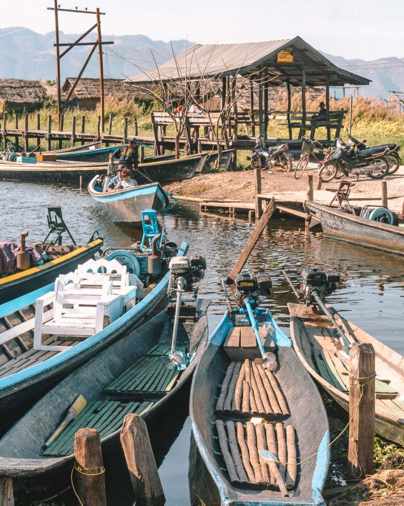 Getting accros Inle lake